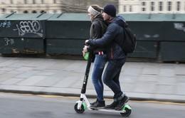 Đi xe scooter trên vỉa hè Pháp sẽ bị phạt 135 Euro