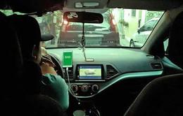 Từ 10/10, khách đi xe để tài xế Grab chờ quá 5 phút sẽ bị tính phí