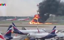 Máy bay Nga bốc cháy: Do thời tiết và sấm chớp?