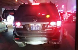 Đã xác định danh tính lái xe biển xanh va chạm giao thông rồi bỏ chạy trên đường Nguyễn Xiển