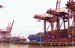 Mỹ lùi hạn chót áp thuế các sản phẩm nhập khẩu từ Trung Quốc
