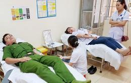 Huy động nhiều người cùng hiến máu cứu sống sản phụ chửa ngoài tử cung vỡ