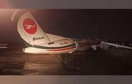 Máy bay Bangladesh chệch khỏi đường băng, nứt vỡ khi hạ cánh ở Myanmar