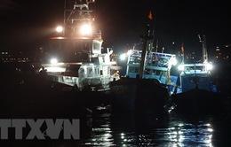 Xuyên đêm cứu 16 ngư dân gặp nạn trên biển