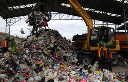 Philippines ra hạn chót cho Canada mang 100 container rác về nước