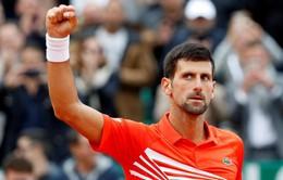 Novak Djokovic giành quyền vào tứ kết Madrid mở rộng 2019