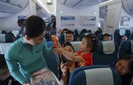 Hành khách nhí sẽ được tặng quà trên các chuyến bay nội địa của Vietnam Airlines
