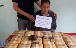 Quảng Bình: Bắt đối tượng vận chuyển 100.000 viên ma túy tổng hợp