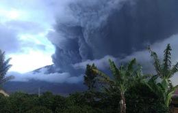 Núi lửa Sinabung tiếp tục phun trào