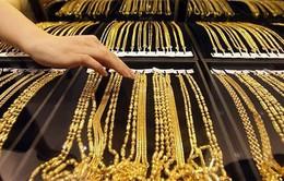Giá vàng trong nước giảm mạnh tới 240.000 đồng/lượng
