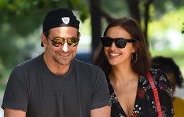 """Mối quan hệ của Bradley Cooper và Irina Shayk bị lung lay sau """"A Star Is Born"""""""