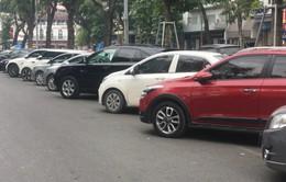 Hà Nội rà soát các tuyến phố trông giữ xe tạm thời dưới lòng đường