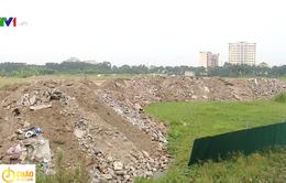 Chưa đền bù giải phóng mặt bằng, chủ đầu tư ngang nhiên lấp đất ruộng của dân làm sân bóng