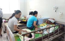 Gần 200 bệnh nhi nhập viện mỗi ngày do nắng nóng