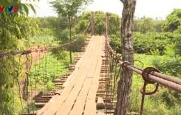 Nguy hiểm từ những cây cầu treo xuống cấp