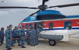 Điều trực thăng cấp cứu một chiến sĩ đột quỵ não tại đảo Sơn Ca