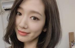 """Park Shin Hye khoe tóc mới, dự báo có """"biến"""""""