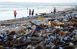 Thiên đường du lịch Bali đối mặt với tình trạng ngập rác thải