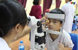 Phòng ngừa tật khúc xạ ở trẻ