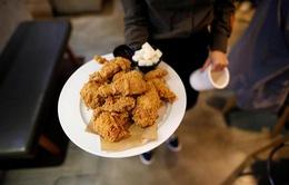 Tăng 13% nguy cơ tử vong ở phụ nữ nếu ăn gà rán hàng ngày
