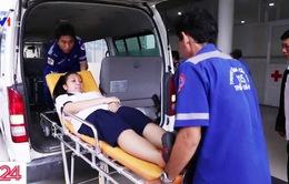 Nghị lực của nữ sinh đi thi THPT Quốc gia bằng xe cứu thương