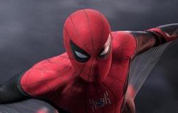 Tom Holland hài nước bật mí cách uống nước… kiểu Spider-Man