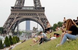 Châu Âu đối mặt đợt nắng nóng kỷ lục đe dọa sức khoẻ người dân