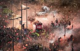 ẢNH: Thành phố Liverpool nhuộm sắc đỏ ngày đón tân vương Champions League