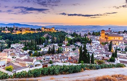 Người dân thành phố Granada không muốn tiếp khách du lịch