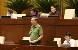 Đại biểu chất vấn Bộ trưởng Tô Lâm: Các vụ án ma túy không còn tính kg mà tính bằng tấn!