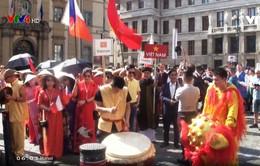 Bản sắc văn hóa Việt tại Liên hoan các dân tộc thiểu số Praha