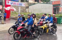 Đội xe ôm tình nguyện hỗ trợ học trò vùng cao đi thi
