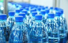 Hạt vi nhựa tồn tại trong nước uống đóng chai
