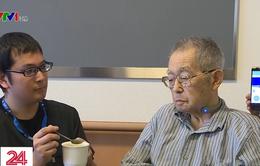 Độc đáo thiết bị giúp theo dõi hoạt động nhai, nuốt ở người cao tuổi
