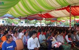 Việt Nam trao tặng quà cho các hộ nghèo tỉnh Kandal, Campuchia