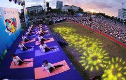 1.200 người đồng diễn Yoga cho cuộc sống xanh