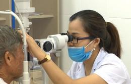 Tập đoàn Điện lực VN và Quỹ Tấm lòng Việt hỗ trợ mổ thay thể thủy tinh cho người dân nghèo ở tỉnh Nam Định