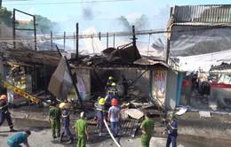 Hỏa hoạn thiêu rụi nhiều căn nhà trên Quốc lộ 91