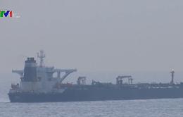 Phí bảo hiểm tàu hàng qua vùng Vịnh tăng gấp 10 lần sau hàng loạt căng thẳng