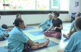 Câu chuyện ý nghĩa về một lớp học Yoga miễn phí cho các bệnh nhân ung thư