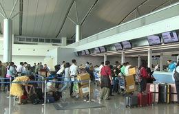 Hà Nội: Bắt 2 đối tượng lừa bán vé máy bay giá rẻ