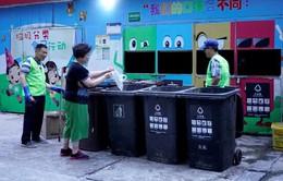 Học phân loại rác để không bị trừ điểm công dân