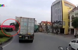 Container vượt ẩu gây tai nạn