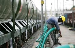 Ấn Độ dùng tàu hỏa chở nước sạch cho dân