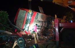Đắk Lắk: Lật xe khách, hàng chục người thương vong