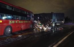 Ban ATGT Bình Thuận thăm 9 hành khách bị thương trong vụ xe khách đấu đầu xe tải