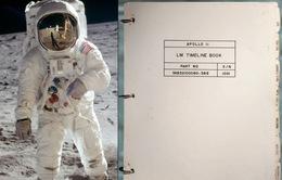Chứa bút tích đầu tiên trên Mặt Trăng, cuốn sách trị giá hơn 200 tỷ đồng