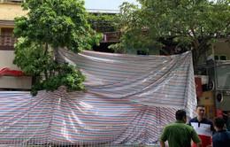 Sập nhà 2 tầng ở số 56 phố Hàng Bông, Hà Nội