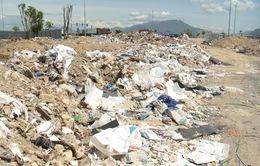 Dân bức xúc vì bãi rác nằm ngay cửa ngõ phía Tây thành phố