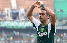 Vừa hát quốc ca vừa khóc, hậu vệ Brazil được nhập tịch Indonesia